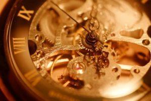 機械式時計の内部